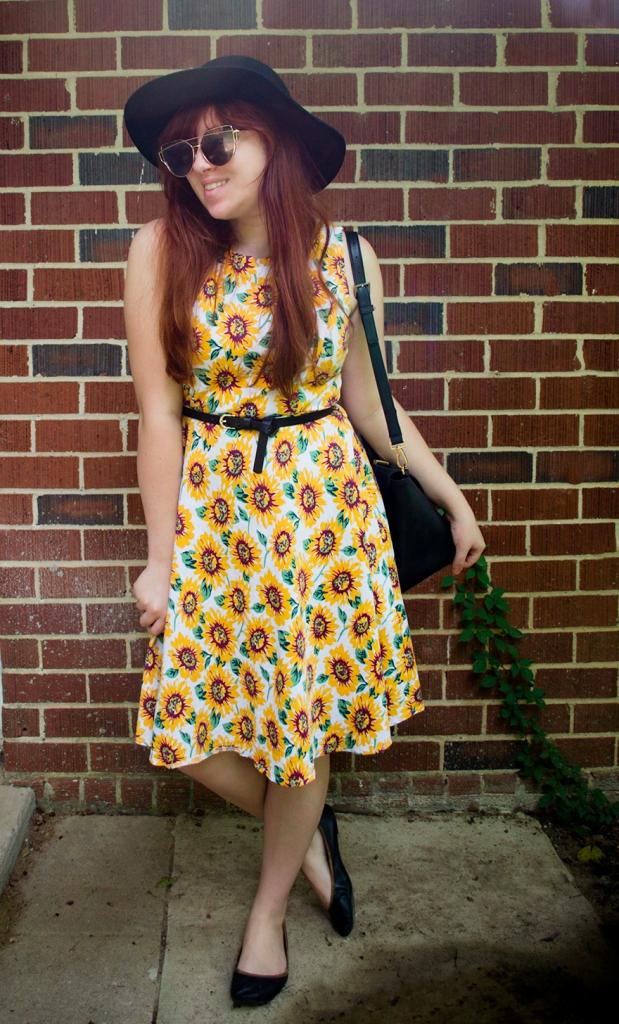 giftofgabbyblog_sixbloggerstyle_August2017_Floral-Sundress-1